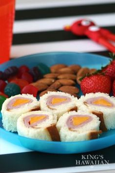 Sandwich, or sushi? Ham & Cheese Sushi Bites put a roll on your regular school lunch.