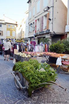 isle sur la sorgue market - the 9 best markets in Provence