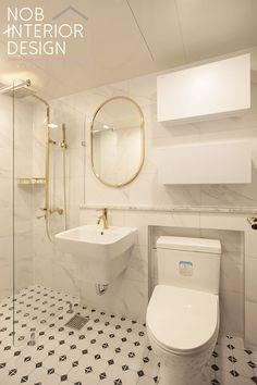예쁜 욕실 인테리어 _ 부천 상동 진달래마을 대림 이편한세상 아파트 34평 디자인 / 화이트 골드 욕실 꾸미기 Interior Concept, Interior Design, Toilet Design, White Houses, Apartment Interior, Little Houses, Bathroom Inspiration, Modern Bathroom, Furniture