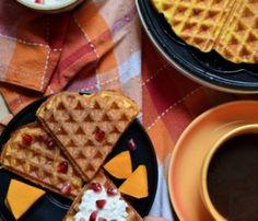 Tarta na spodzie z marchewki - Planeta Smaku Kefir, Waffles, Breakfast, Food, Morning Coffee, Waffle, Meals, Yemek, Eten