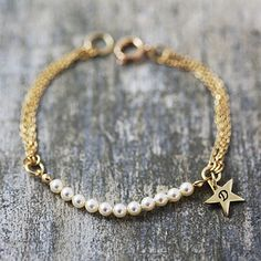 Gold and cream - pearl and chain bracelet