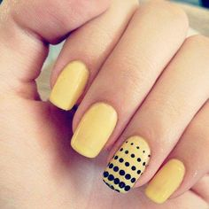 Loving the #yellow manicure for the nails with Black dots. #nycfitnessfamilyfinds