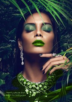 The Art of Make-up photography Mean Green, Green And Orange, Shades Of Green, 50 Shades, The Color Of Money, Green Lipstick, Green Palette, Beauty Shots, Jewelry Photography
