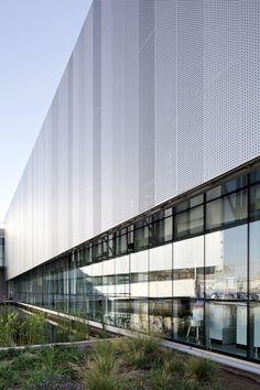 Edificio Laboratorio Synthon,© Nico Saieh