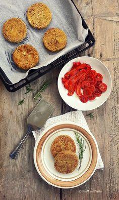 Burger di grano saraceno, lenticchie rosse e pomodori secchi