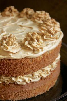 Coffee And Walnut Cake, Coffee Cake, Bbc Good Food Recipes, Baking Recipes, Sweets Recipes, Yummy Food, Food Cakes, Cupcake Cakes, British Cake
