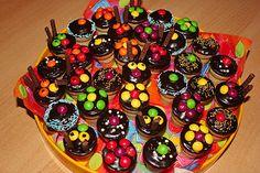 Kleine Kuchen im Waffelbecher 24