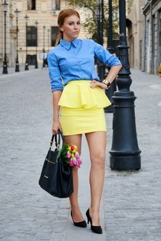 I adore this yellow peplum skirt mixed the blue blouse. Love it!!.