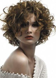 Afbeelding van http://4.bp.blogspot.com/-KIhQV-m2kSI/VKLegDEAuGI/AAAAAAAAzMo/ANF3m2QeDL8/s1600/Toffe-Kapsels-Kort-Haar.jpg.