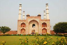 The main entrance Akbar's Tomb has four minarets India Tour, Historical Monuments, Main Entrance, Agra, Art And Architecture, Pakistan, Islamic, Taj Mahal, Maine