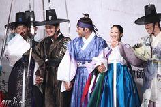 sungkyunkwan scandal | Sungkyunkwan Scandal (2010) Sungkyunkwan Scandal, K Drama, The Past, Fandoms, Dresses, Fashion, Dramas, Actresses, Vestidos