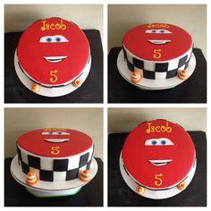 LIGHTNING McQUEEN CAKE Lightning Mcqueen Party, Lightening Mcqueen, Fondant Cakes, Cupcake Cakes, Cupcakes, Cars Birthday Parties, Girl Birthday, Graham Cake, Car Themes