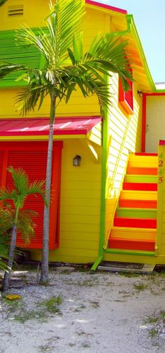 Adorable beach home.(via Bold Colors Living / Bright tropical beach home. Tropical Beach Houses, Tropical Paradise, Jolie Photo, World Of Color, Life Color, Mellow Yellow, Neon Yellow, Beach Cottages, Colorful Pictures