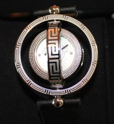 Luxstyle4u - Versace Watches Round Watch With Diamonds in Black