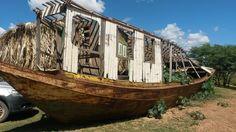 Carcaça preciosa de um Barco  que muito navegou nas águas do Velho Chico.