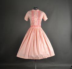 1950s Dress full skirt embroidered floral pink Vintage Fashion