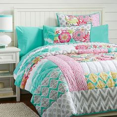 PB Teen Sunset Beach Quilt, Twin, Multi at Pottery Barn Teen - Duvet... ($159) ❤ liked on Polyvore featuring home, bed & bath, bedding, quilts, gray pillow shams, gray shams, grey pillow shams, twin xl bedding and polka dot twin bedding