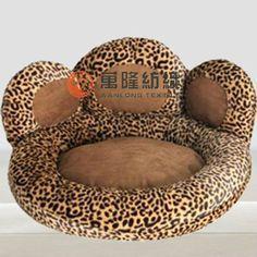 modes de cama de perro patron - Buscar con Google Dog House Bed, Diy Dog Bed, Animal Room, Dog Items, Pet Furniture, Dog Diapers, Dog Sweaters, Dog Snacks, Dog Coats