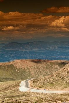 Colorado....Pike's Peak,  Garden of the Gods....yes, please, one day