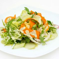 Salata low fat cu dressing de iaurt Chios, Lettuce, Terrace, Dressing, Fat, Vegetables, Summer, Italia, Balcony