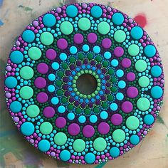 Sun catcher on a cd mandala puntillismo mandalas, mandalas p Mandala Art, Mandala Canvas, Mandalas Painting, Mandala Pattern, Mandala Design, Dot Art Painting, Rock Painting Designs, Pebble Painting, Pebble Art