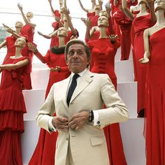 There's some movies that are simply must-sees for fashion girls. Like this one on Valentino, for instance.