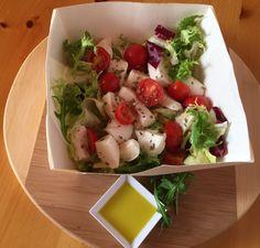 #insalata nr 50 Agata: misticanza di stagione, fior di latte, pomodorini, origano, olio sale e aceto