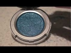 How to make your own eyeshadow