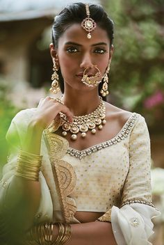 A Sabyasachi classic. The post A Sabyasachi classic. Indian Dresses, Indian Outfits, Moda Indiana, Bridal Nose Ring, Sari, Wedding Jewellery Gifts, Brown Girl, Indian Girls, Indian Bridal
