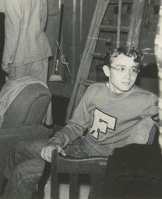 James Dean, à 19 ans devait déjà faire tourner les têtes. #fashion #mode #menswear #icon