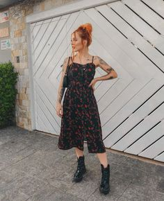 Casual Dresses, Casual Outfits, Fashion Outfits, Floral Shirt Outfit, Cochella Outfits, Alternative Fashion, Aesthetic Clothes, How To Look Pretty, Ideias Fashion