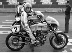 Team Spaggiari 750 SS Franco Uncini at the grid on a Ducati 750 SS Desmo, Team Spaggiari-Ducati , 1975 Vallelunga circuit (Italy)