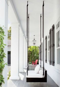 5 Idyllic Porch Swings
