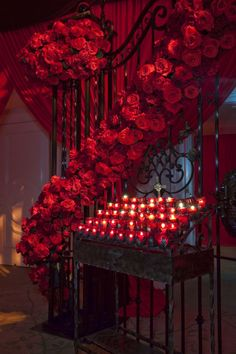 Red and black reigned supreme and this decidedly different wedding. @Beverly Hills Hotel like you've never seen it before!