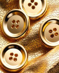 Daniel Lindh - Gold Buttons