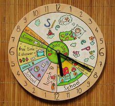 Décrire une journée de votre enfant et nous ferons votre propre horloge murale ! Lhorloge murale peut être entièrement personnalisé pour vos demandes de renseignements. Vous pouvez également choisir la couleur de la plaque de numérotation (où les numéros sont). Si cest transparent, alors vous pouvez voir la couleur du bois (voir les photos). Nous avons brûlé le motif dans le bois et après que nous peignons avec haute qualité Faber Castell et crayons aquarelle Derwent Academy. Lhorloge a un…