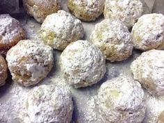 A taste test of two recipes for gluten-free Mexican Wedding Cakes / Russian Tea Cakes.