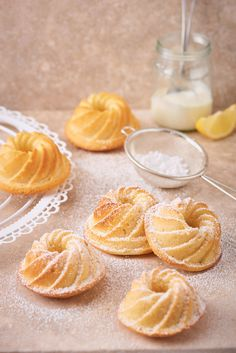 Small and fine: baking recipe for mini ring cake with lemon. For 6 pieces or more, if the appetite is bigger or the baking pan is even smaller. More from my siteJuicy orange ring cake – cake for the officeLemon Yogurt Mini Bundt Cake by Mini Desserts, Lemon Desserts, Summer Desserts, Baking Tins, Baking Recipes, Snack Recipes, Cake Recipes, Breakfast Bundt Cake, Ring Cake