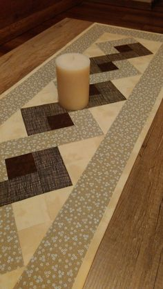 Quilted patchwork table topper, table runner, log cabin table topper in burgundy, green and cream with tiny hearts Quilted Table Runners Christmas, Patchwork Table Runner, Christmas Runner, Table Runner And Placemats, Table Runner Pattern, Farmhouse Table Decor, Cottage Crafts, Place Mats Quilted, Quilted Table Toppers