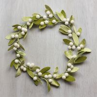 Velvet Mistletoe Wreath - Urban Comfort