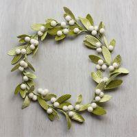 Velvet Mistletoe Wreath - Urban Comfort