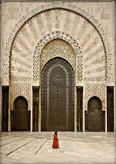 Beautiful Islamic architecture // The Grande Mosquée Hassan II is a mosque in Casablanca Morocco. It is the largest mosque in Morocco and the largest in the world. Its minaret is the world's tallest at 210 metres ft).