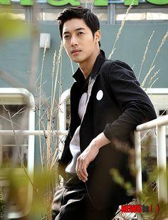 Kim hyun joong all grown up now. Boys Over Flowers, Boys Before Flowers, Korean Men, Korean Actors, Korean Dramas, Asian Actors, Asian Men, Brad Pitt, Kim Hyung