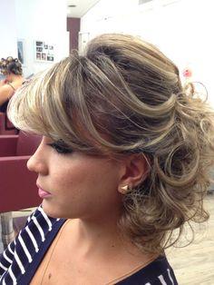 Penteados Semi presos cabelos médios das madrinhas