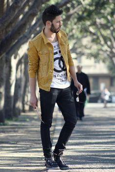 on the street Fashion Hub, Boy Fashion, Mens Fashion, Fashion Outfits, Fashion Design, Denim Jacket Men, Denim Outfit, Street Wear, Menswear