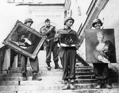 Monuments, Fine Arts, and Archives (MFAA) division recovering looted paintings from Neuschwanstein Castle in Germany during World War II (via National Archives) World History, World War Ii, Art History, Jewish History, History Pics, History Education, Jewish Art, Monument Men, The Journey