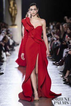 Elie Saab Spring-summer 2019 - Couture - Another! Elie Saab Couture, Couture Mode, Style Couture, Couture Fashion, Vestidos Fashion, Fashion Dresses, Trendy Dresses, Elegant Dresses, Evening Dresses