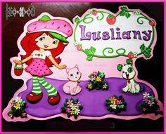Fresita Cartel de niña bebe-letras- Nacimiento - baby shower- foami. bebe-accesorios-decoración Elaborado Por Isamar Belisario