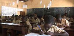 Apprendre dans sa langue maternelle à l'école, c'est désormais chose possible au Bénin. Six langues nationales ont été introduites au cours ...