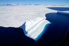 IceBridge Blues  : Image of the Day : NASA Earth Observatory